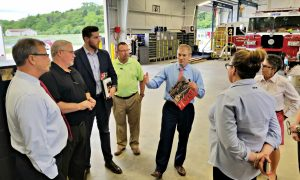 Rep. Jordan speaks with employees of Sutphen Corporation.